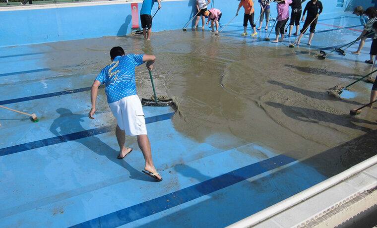 プール清掃 千葉県 小学校